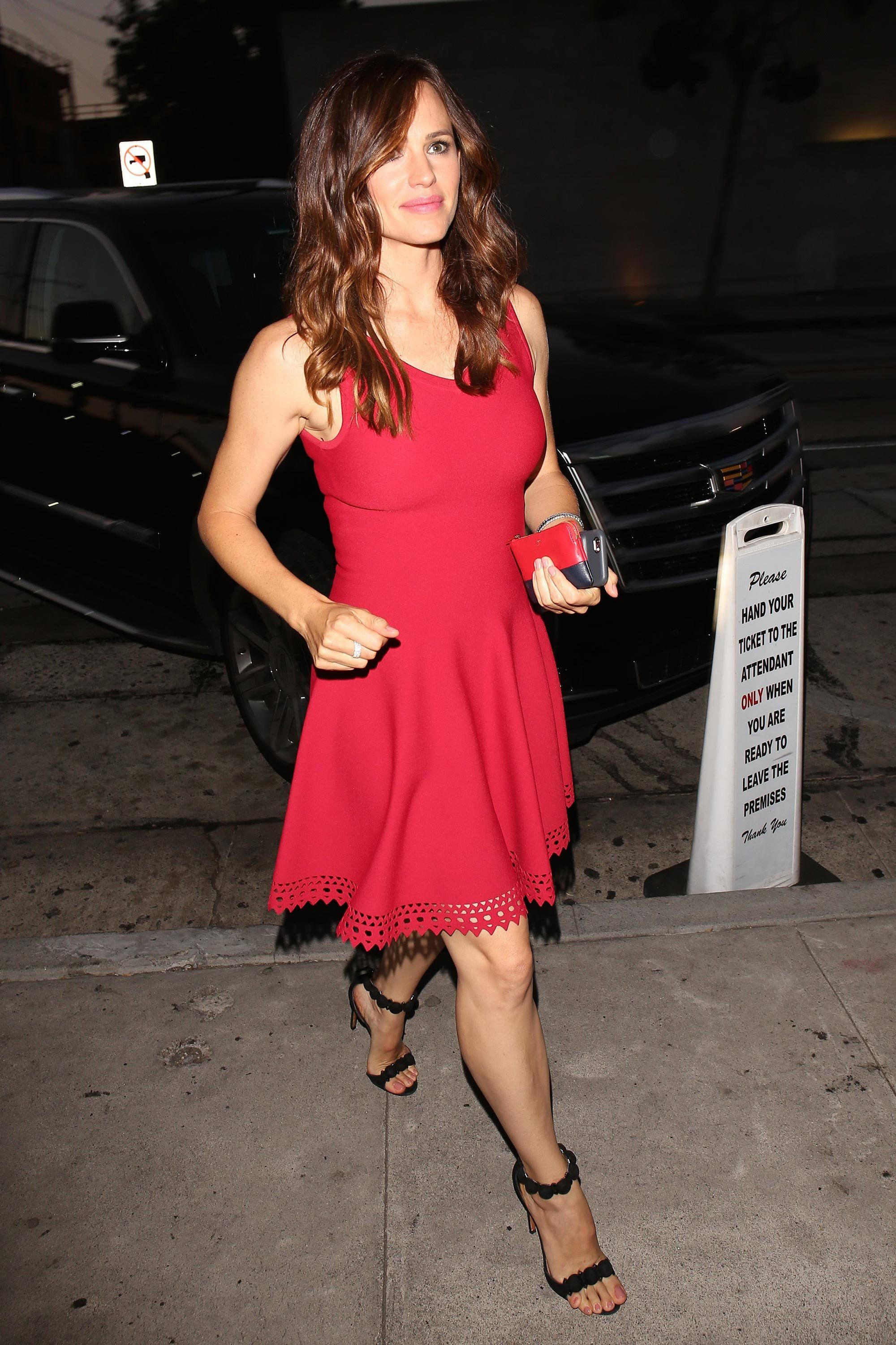 a11be82b4f8 Jennifer Garner Makes the Case for the Little Red Dress in 2019 ...