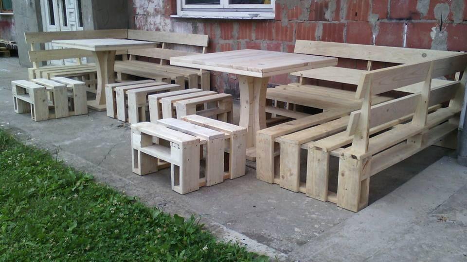 DIY Pallet Porch Sofa Set
