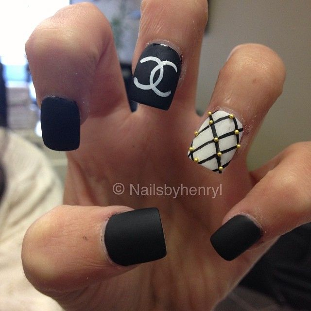 Chanel Quilted Nail Art Nail Designs Instagram Nailsbyhenryl
