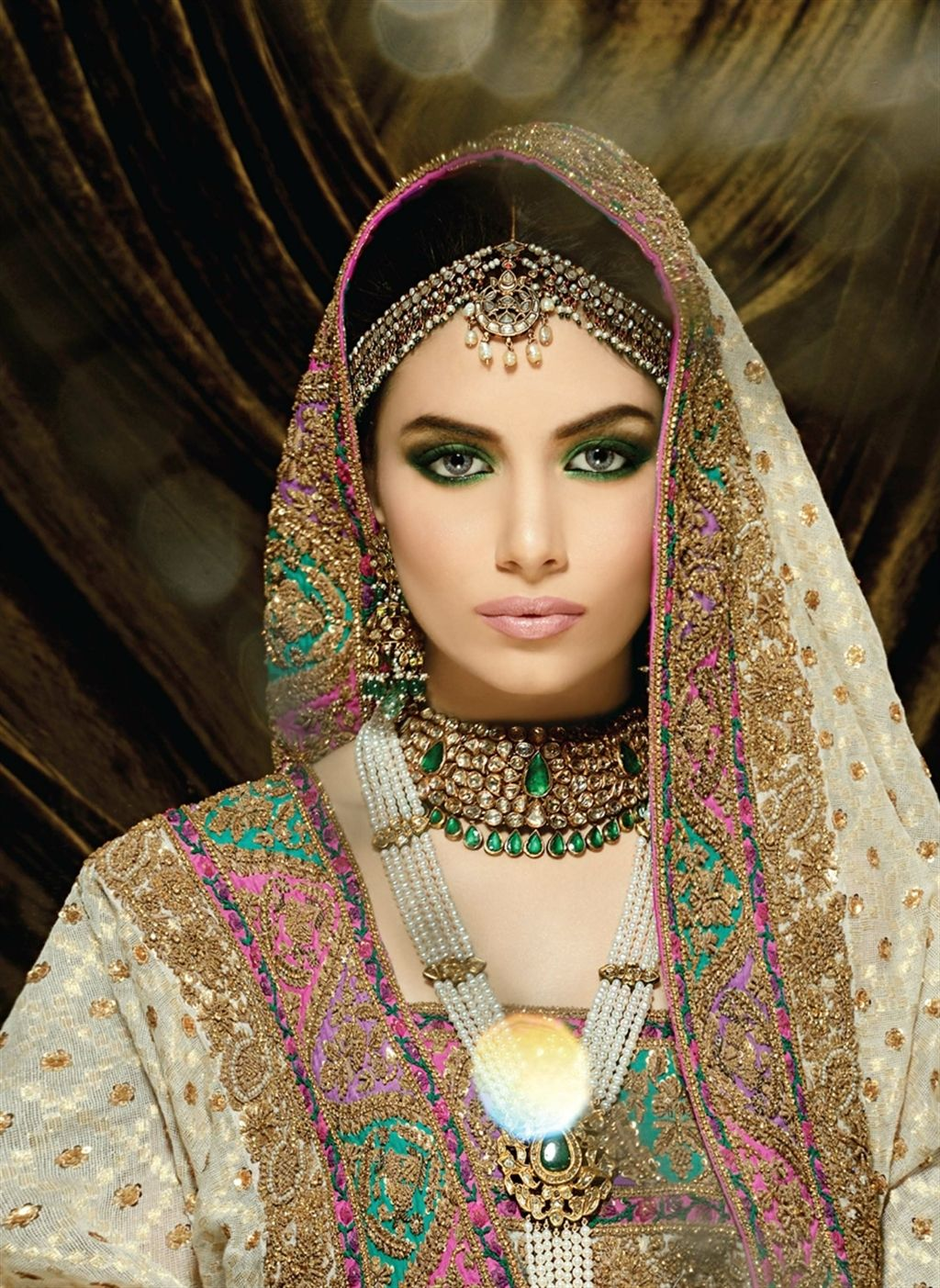 Check out this great look i found on asianbride