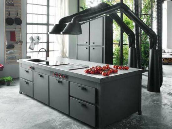 Schön Wir Präsentieren Ihnen Eine Moderne Einbauküche Mit Kochinsel Aus Italien.  Das Design Heißt Mina Und Bezaubert Mit Funktionalität Und Industriellem  Schick.