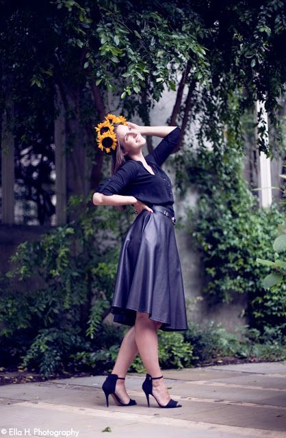 Faux leather midi skirt and sunglower crown