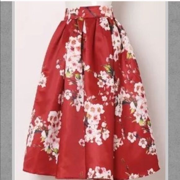 Floral midi skirts (all colors) Lovely item . Side zipper button closure. Used for photography . L 30 wide 26 long  M 27 wide 25 long   S 26 wide 25 long Vintage Skirts Midi