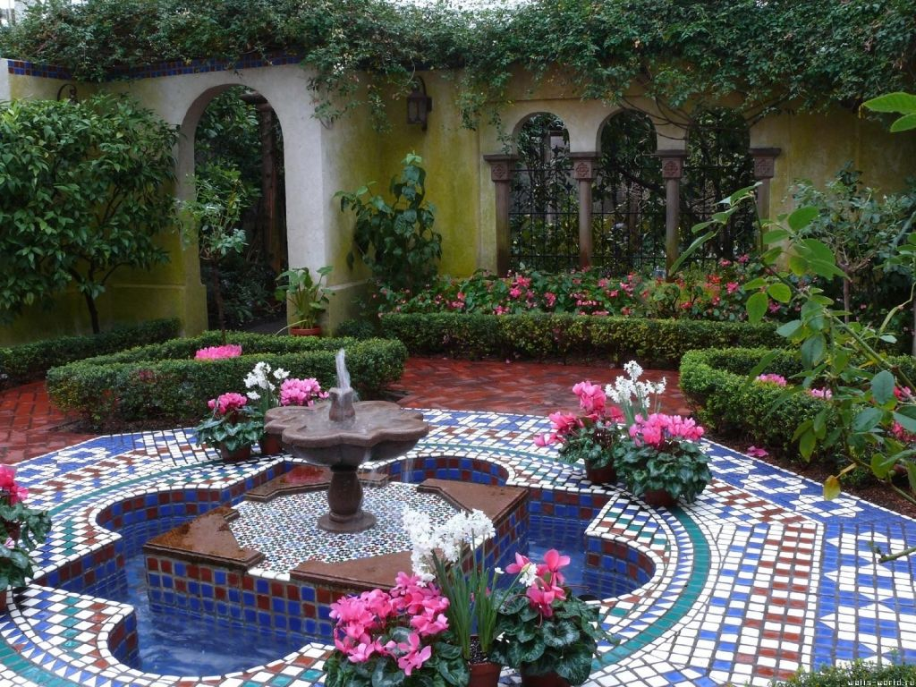 moroccan themed garden | Morocco | Patio design, Outdoor ...