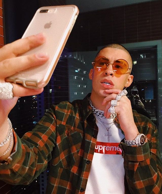 Bad Bunny Badbunny Puertorican Latino Trapmusic Badbunnybaby Supreme Iphone Apple Selfie Bunny Fashion Bunny Wallpaper Bunny Outfit