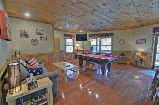Aska Escape Lodge Cabin Rentals of Georgia - Terrace Level Game