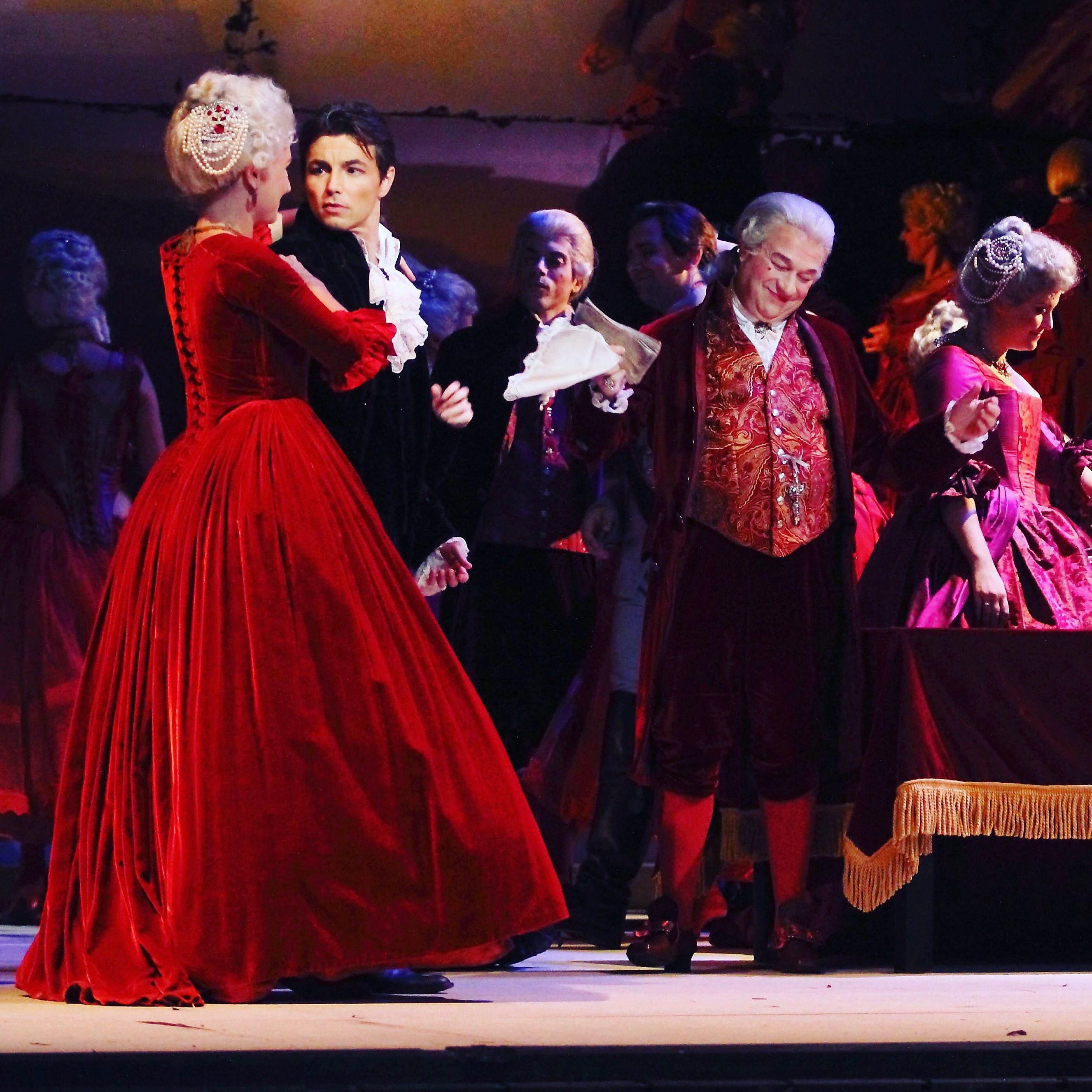 Kim Jong Il staged the opera Eugene Onegin 08.06.2009 97