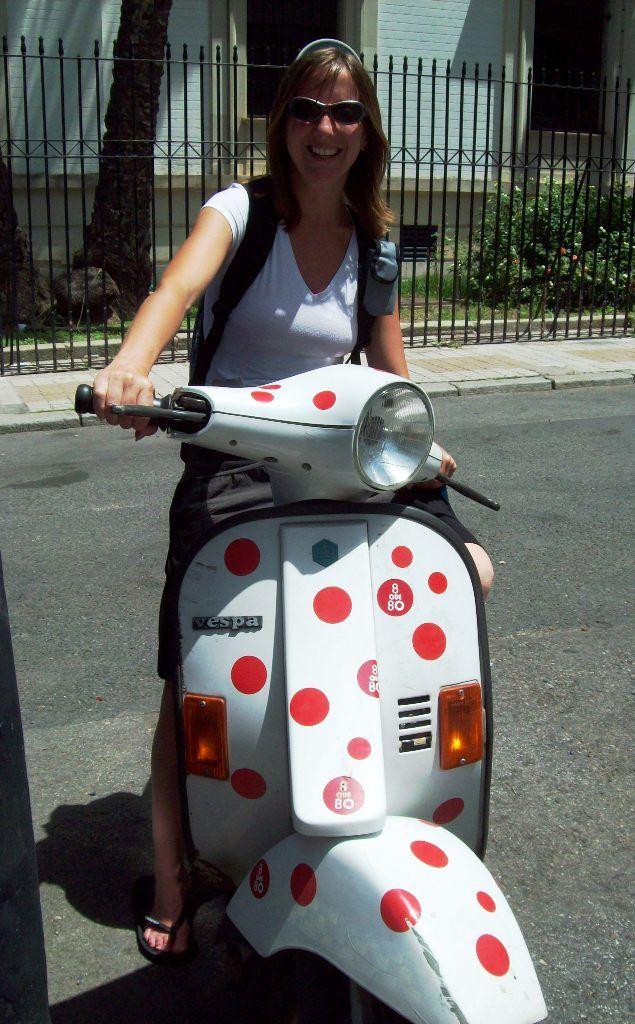 en una moto típicamente sevillana ;)