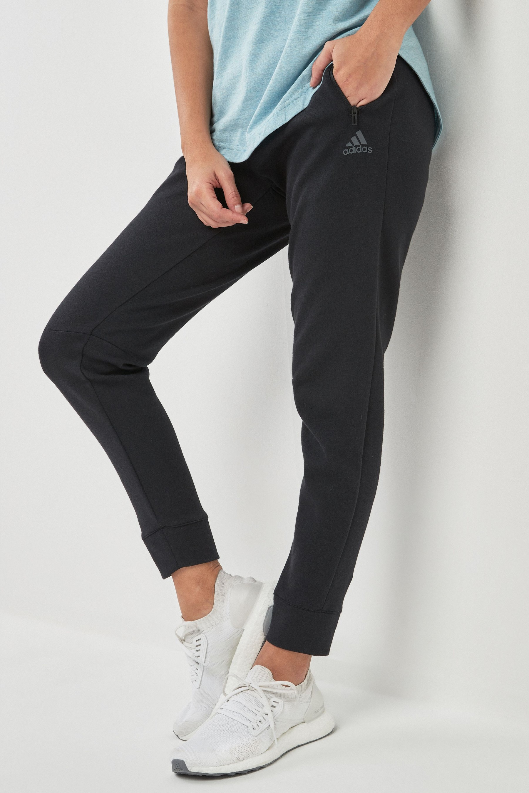 Essential Colorblock Jogger