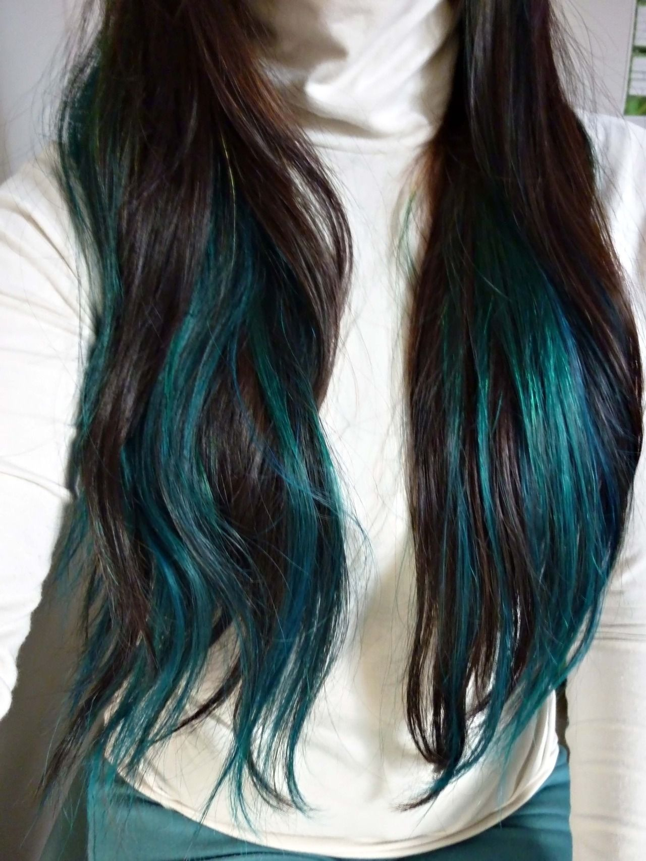 Base Colour Of My Hair Is Dark Brown I Bleached Thrice Using La Riche Directions Hair Lightening Kit 30 Vol Before Dyeing Ov Teal Hair Hair Styles Green Hair