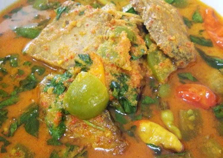 Resep Tuna Bumbu Kuning Kemangi Oleh Fairaz Syahfitri Resep Resep Tuna Resep Masakan Kemangi