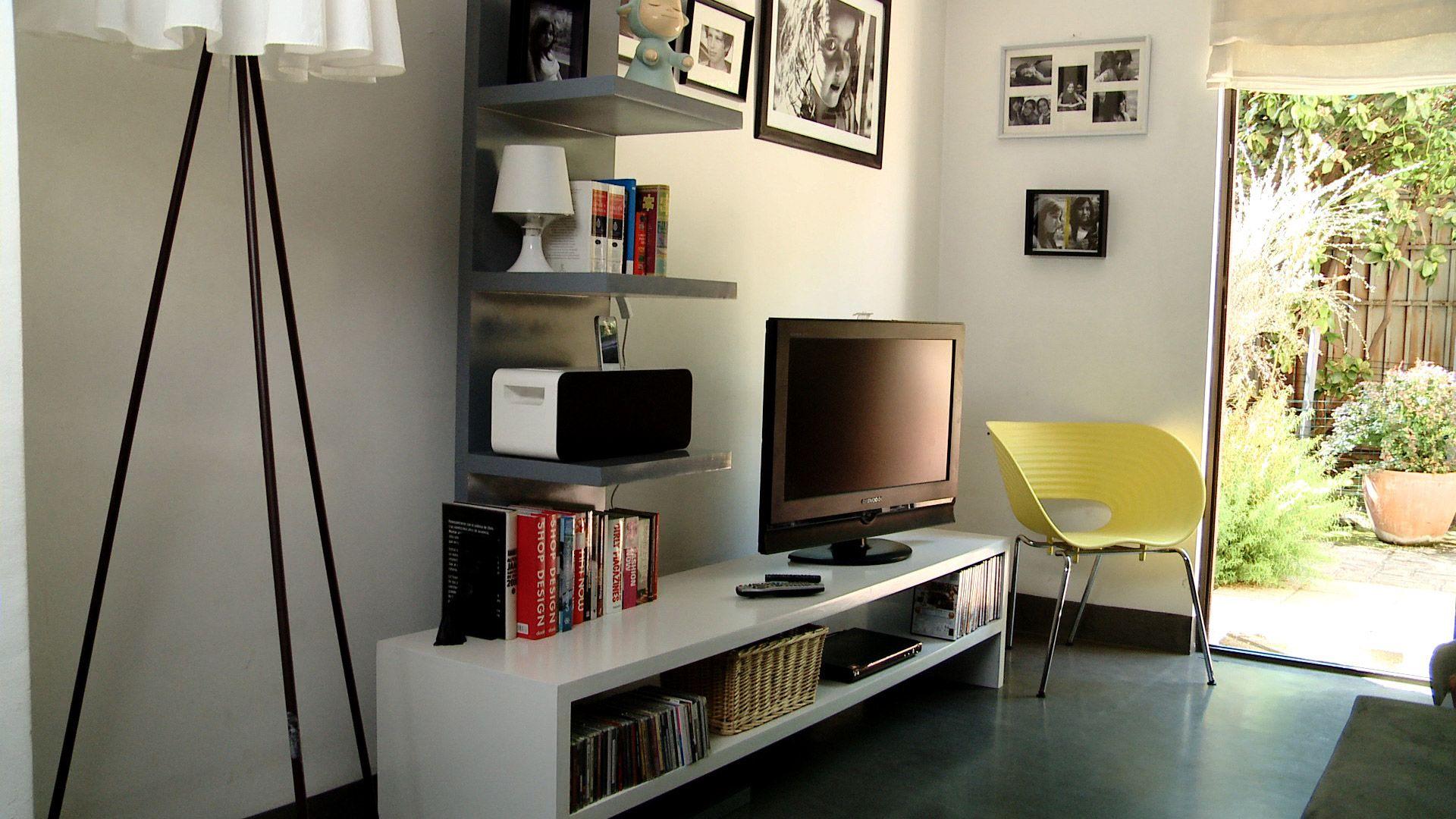 H galo usted mismo c mo construir un rack mural para el - Muebles para el televisor ...