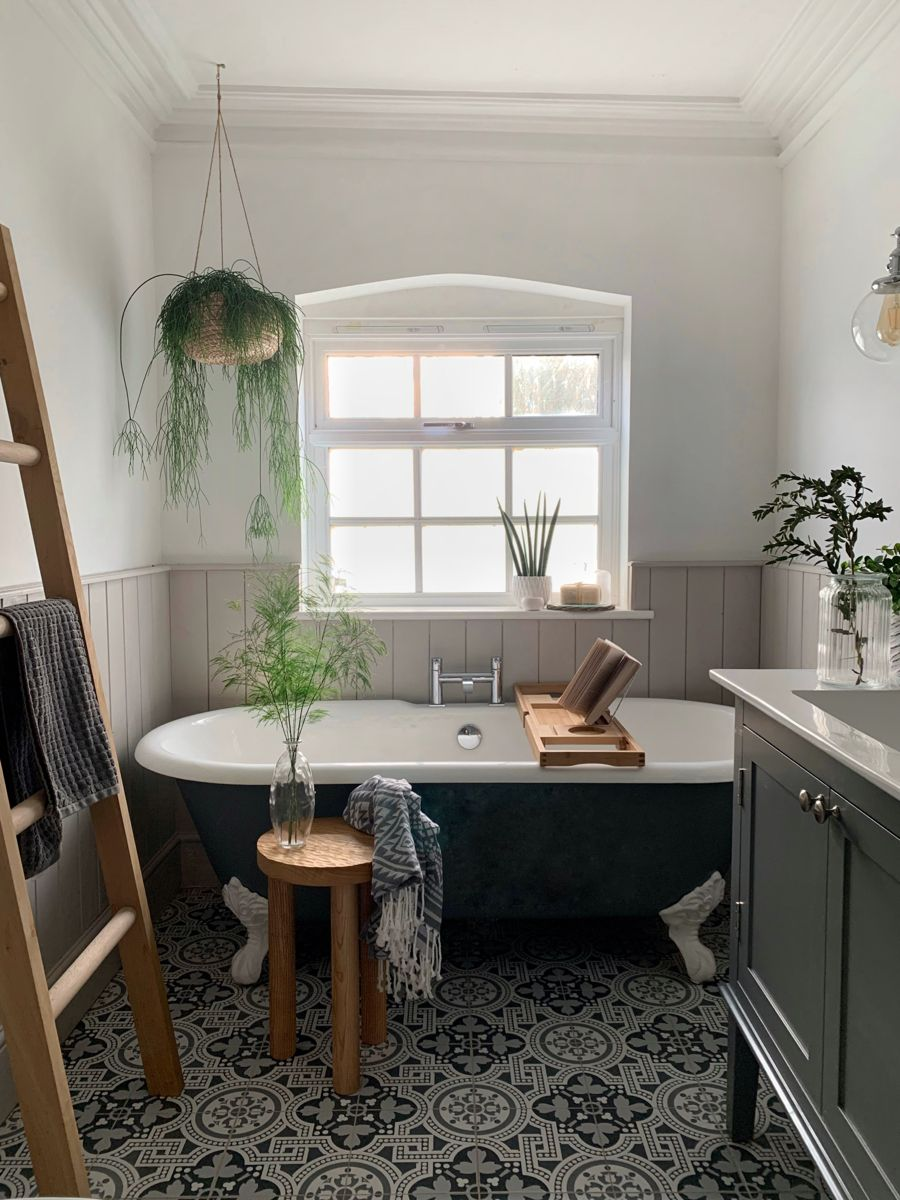 Pin by M on Bathroom remodel in 2020 Clawfoot tub shower