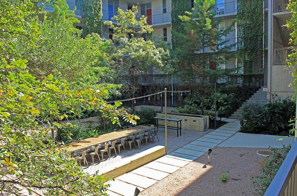 1221 Broadway Lofts In San Antonio By Kudela Weinheimer Shade Structure Hanging Garden Street Design