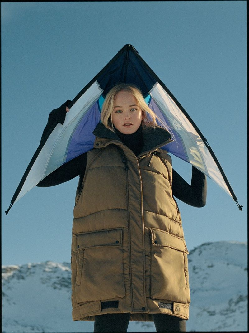 Jean Campbell Models Zara S Sustainable Outerwear Womens Outdoor Fashion Zara Campaign Zara [ 1068 x 800 Pixel ]