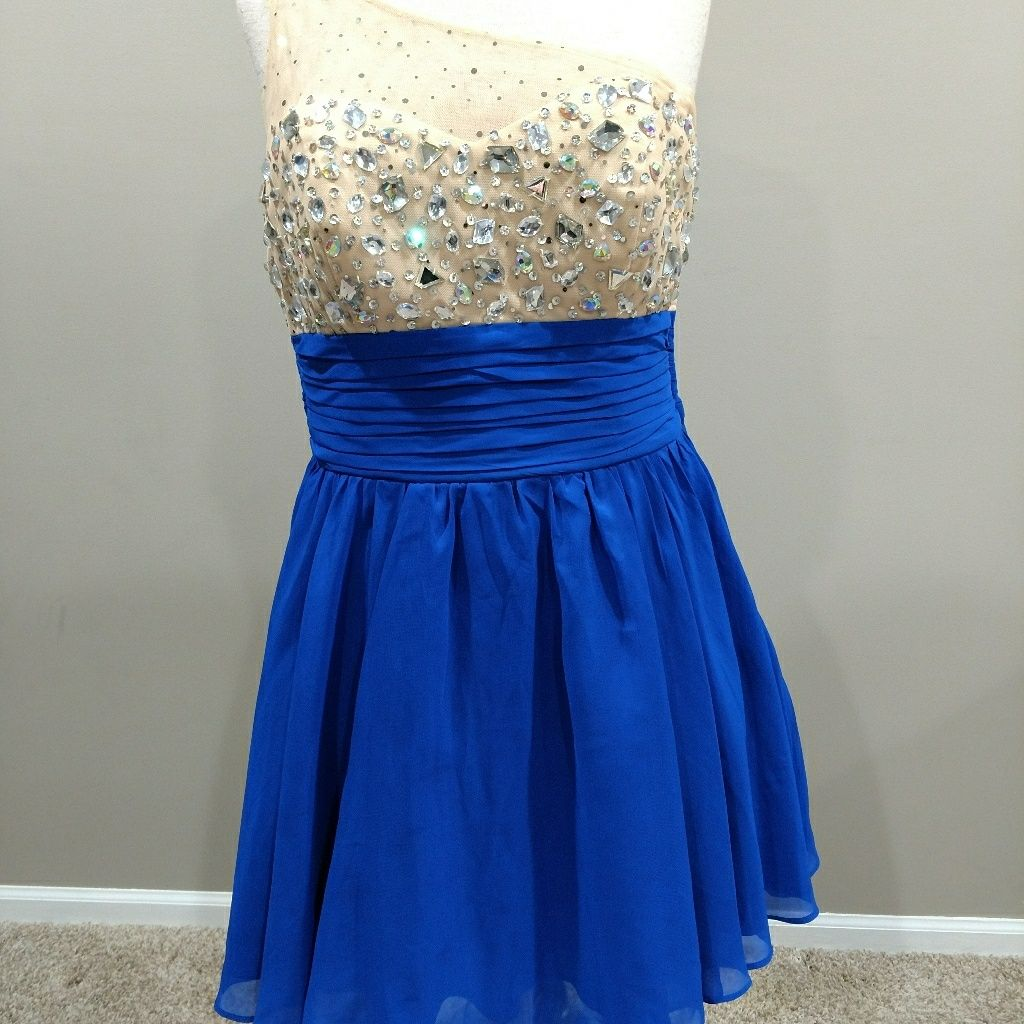 Prom/Homecoming Dress Gorgeous Sz 16