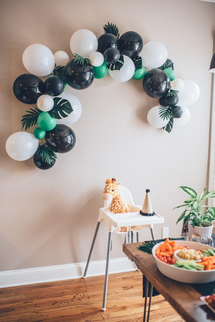 Cove's Modern Jungle First Birthday Party #boybirthdayparties