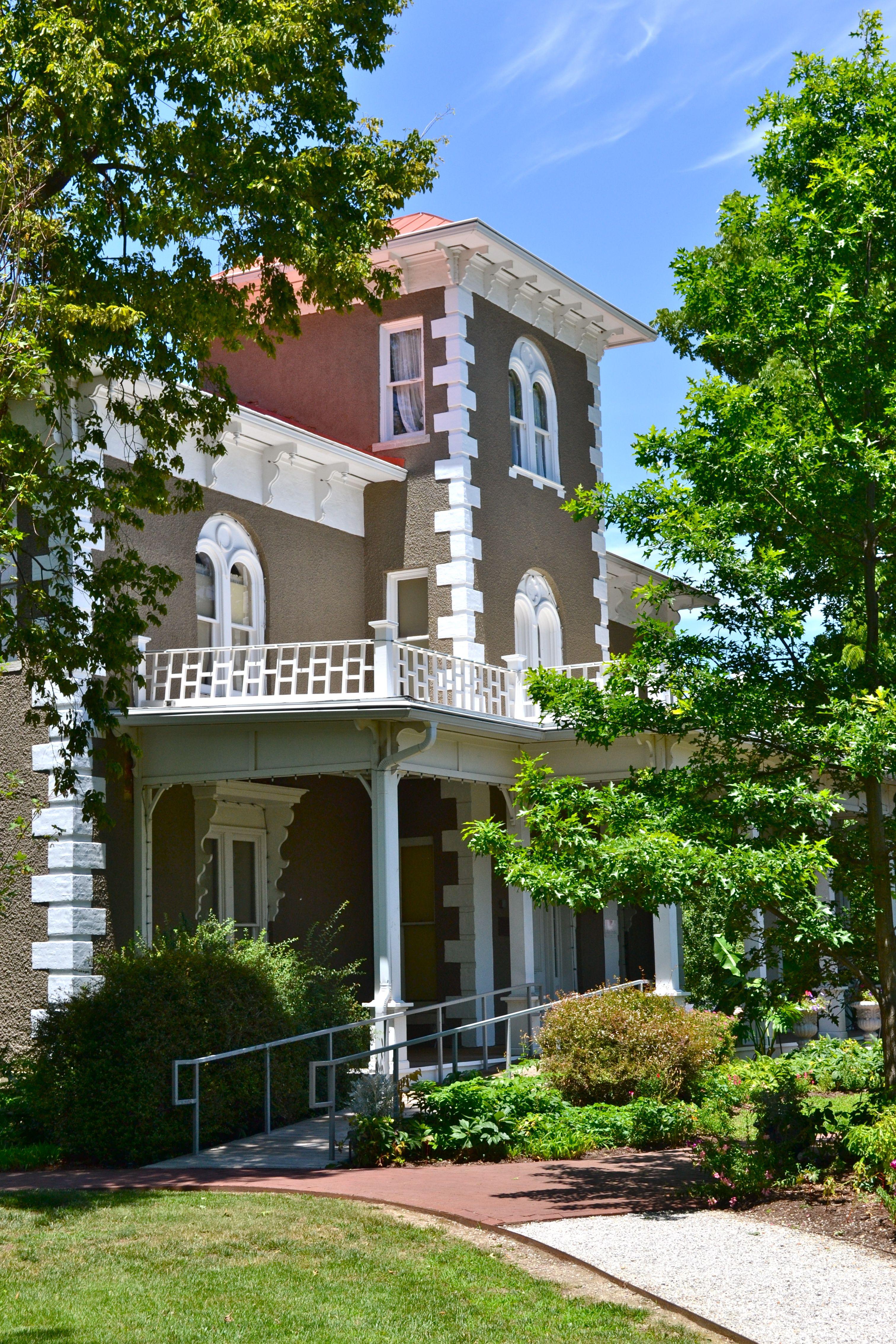 The Peel Mansion Museum Heritage Gardens 400 S Walton Blvd Bentonville Ar 72712
