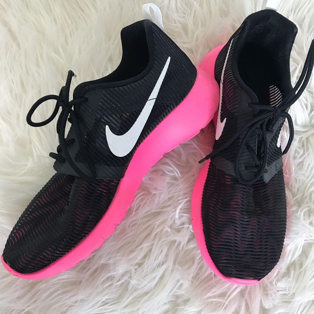 Nike Roshe Run's (Custom) | Pink nike shoes, Nike, Nike