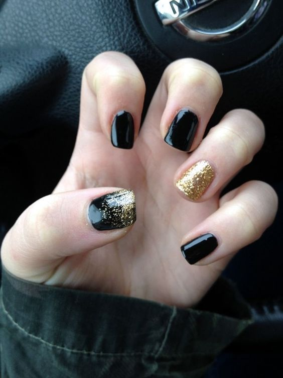 20 Nail Designs for New Years Eve   Pinterest   Glitter nail designs ...