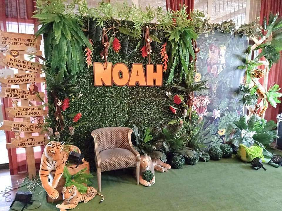 Jungle Themed Birthday Party With Diy Decorations Backdrop And Yummy Desserts Jungle Party Decorations Jungle Party Decorations Diy Birthday Party Crafts
