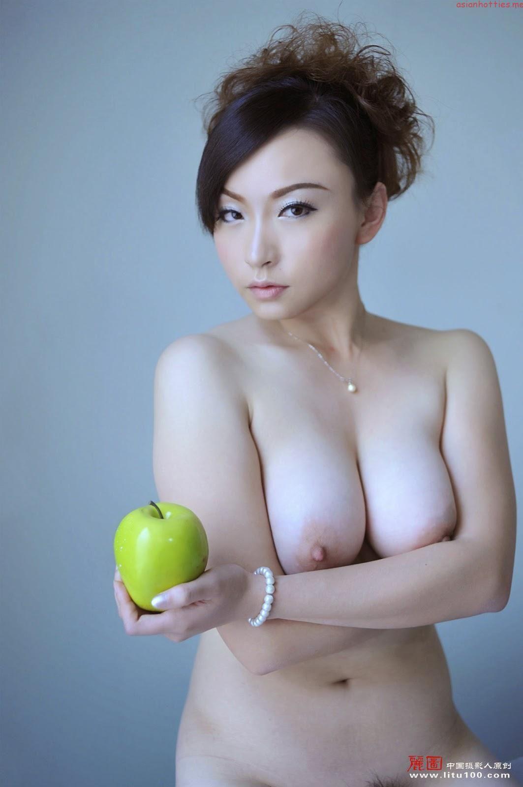 nude sexy ass shaken