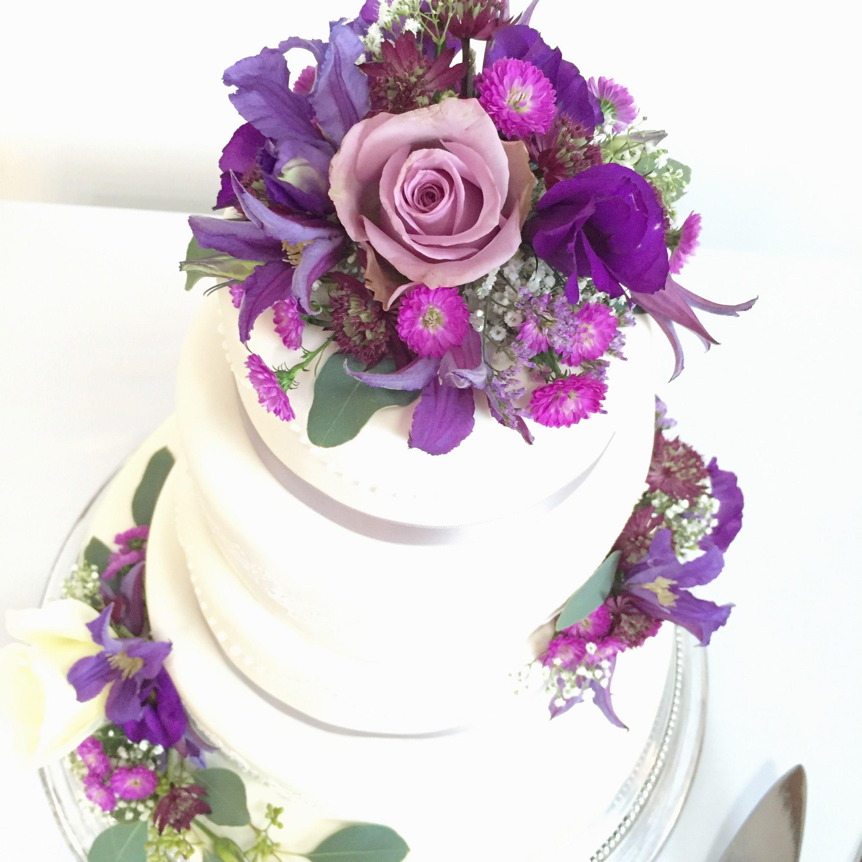 Fresh flower cake decorations wwwtheenchantedflowercouk