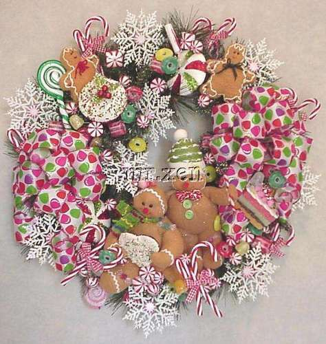 GINGERBREAD SUGAR N' SPICE CHRISTMAS COOKIES WREATH PEPPERMINT CANDY CUPCAKE