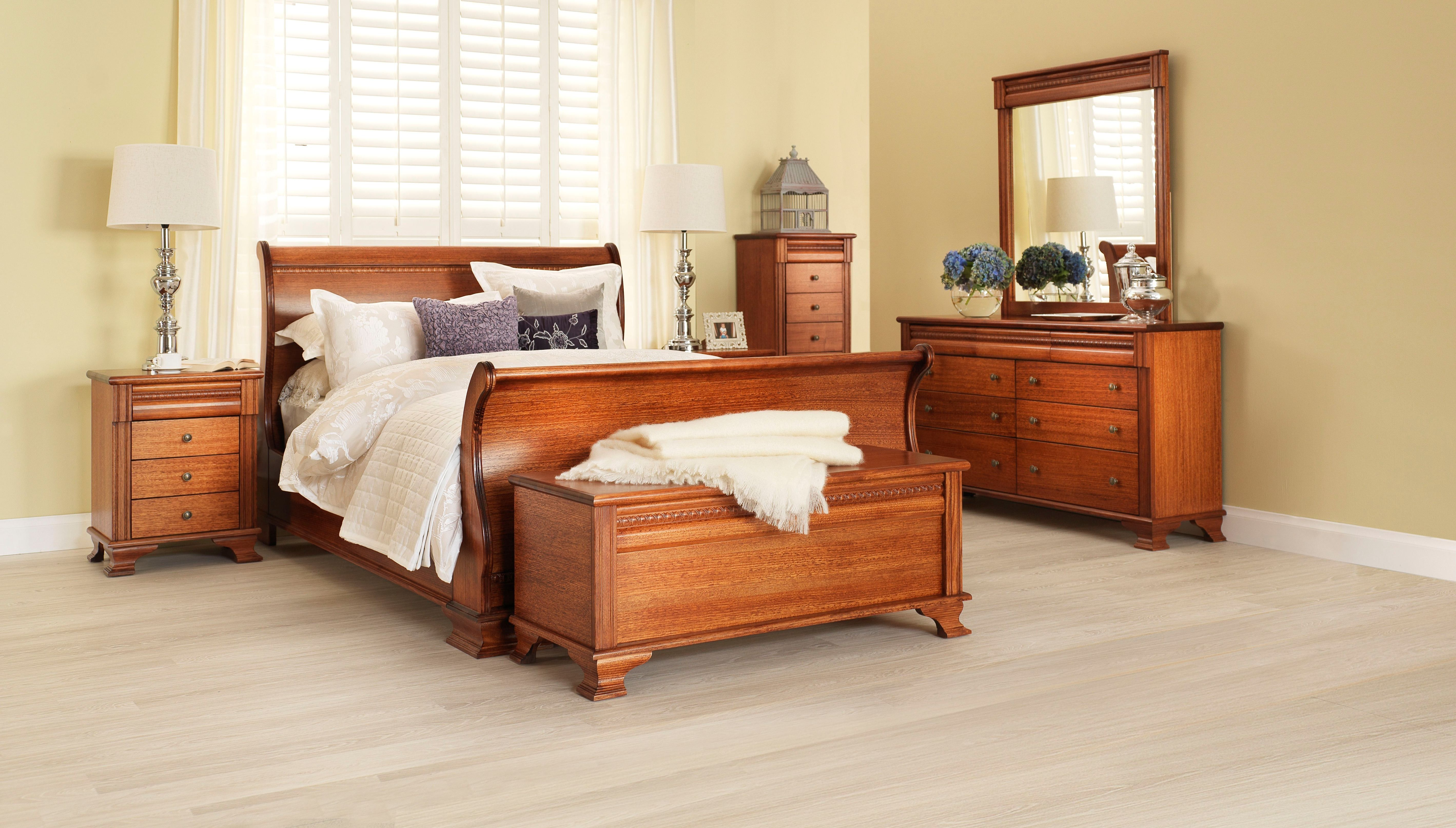 Monet Classic Light Wood Grain Bedroom Furniture Suite With Neutral Toned  Linen And Décor