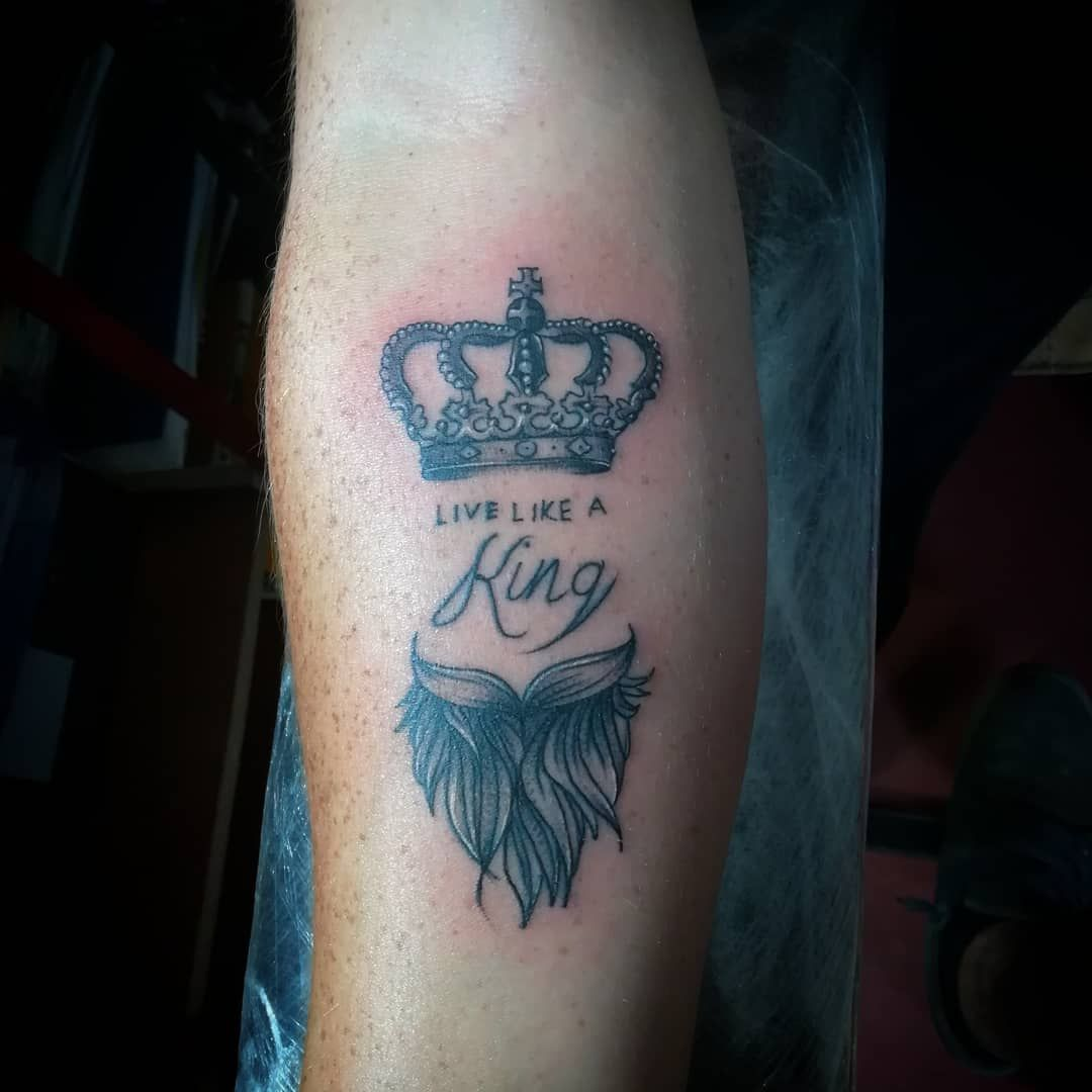 Para el king ✌️🔥✌️ .  #tatuaje #tattoo #ink #inked #tattoos #tattooed #tatuajes #tattooartist #art #tattooart #spain #tattoolife #inkedup #tattooing #barcelona #tattooist #madrid #inkaddict #tattoodesign #españa #inklife #spaintattoo #blackwork #barcelonatattoo #tattooink #arte #inkstagram #love #tattoolove #instatattoo