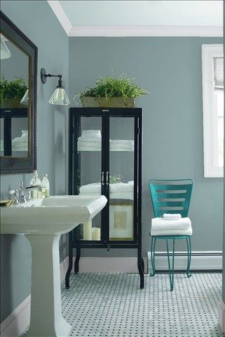 Look at the paint colour combination I created with Benjamin Moore. Via @benjamin_moore. Wall: Sea Star 2123-30; Trim: Marilyn's Dress 2125-60; Chair: Teal Ocean 2049-30.
