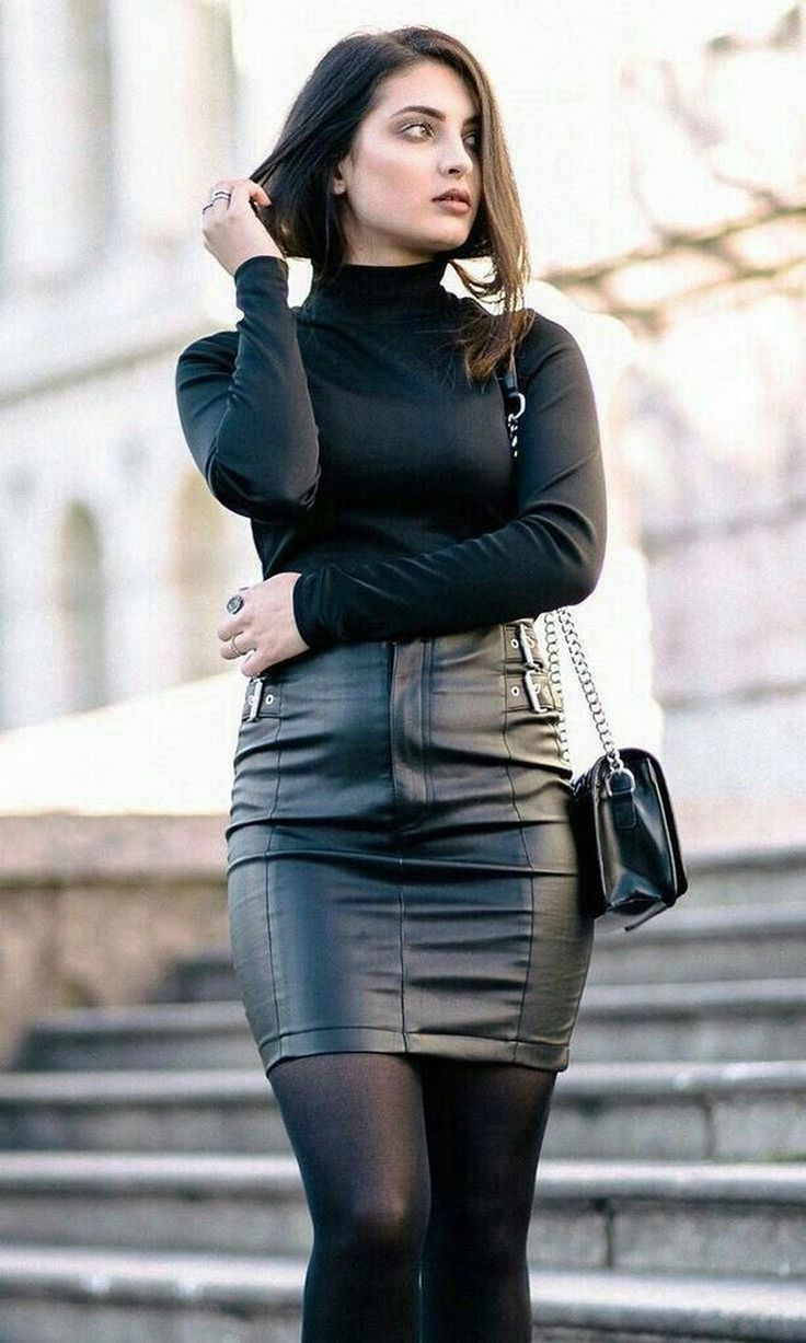 20 Pretty Ideas How To Style A Leather Skirt   Leather skirt ...