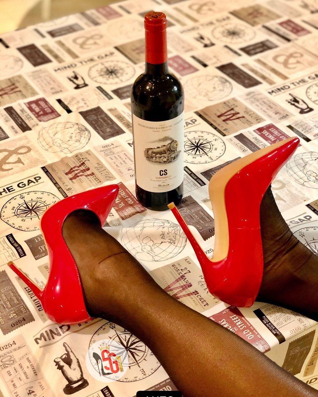 Pin On Zapatos Pies Lindos Y Caras Bonitas