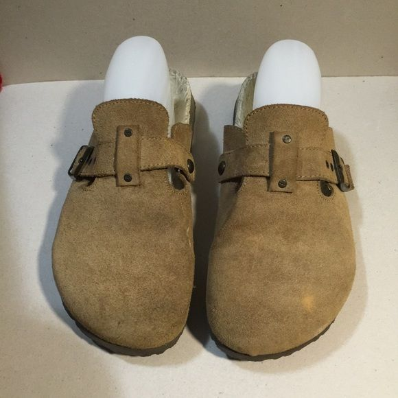 American Eagle Mules/Clogs Sz 8.5 preowned condition American Eagle Outfitters Shoes Mules & Clogs