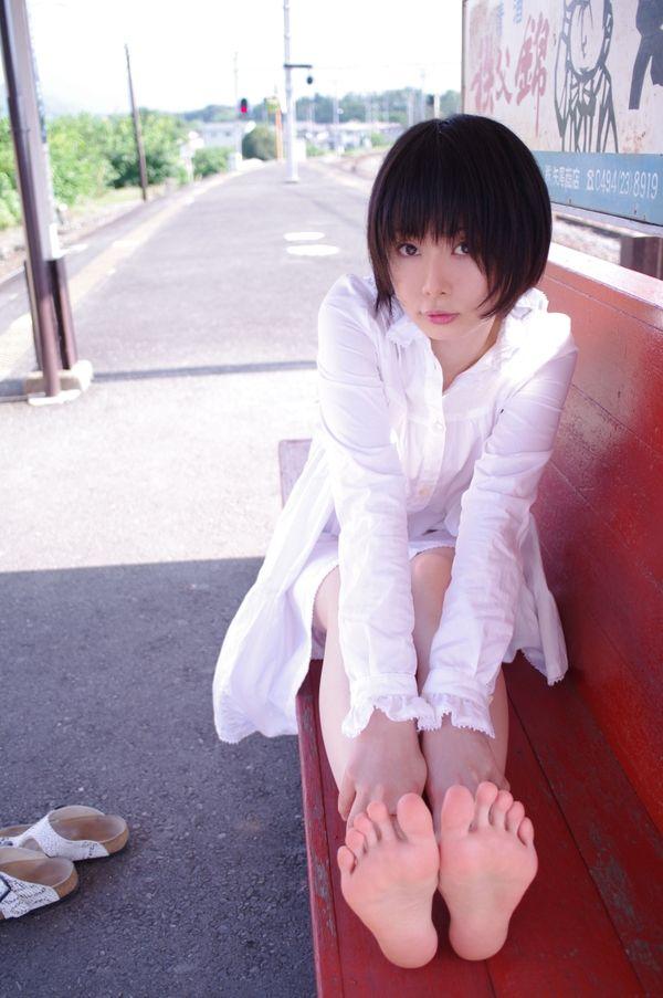 legs women feet japanese toes short hair asians shirts ushijima