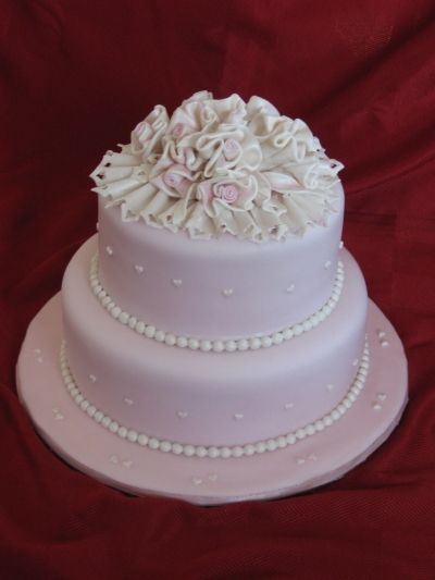 wedding cakes By cipelica on CakeCentral.com
