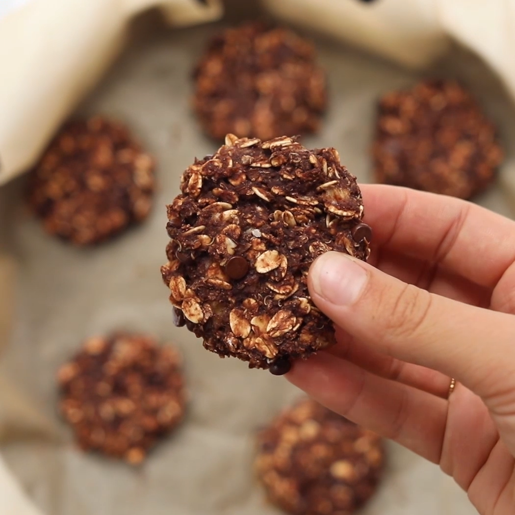 Insanely Healthy Oatmeal Cookies These INSANELY He