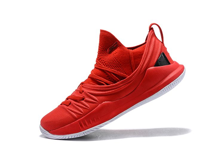 Red basketball shoes, Curry shoes