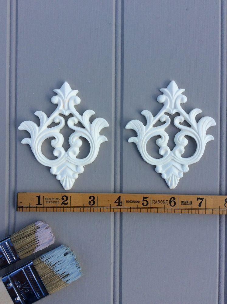 Etonnant ONE PAIR OF PRETTY RESIN VINTAGE CHIC MOULDINGS/DECORATIVE FURNITURE/ONLAY/CRAFT  |