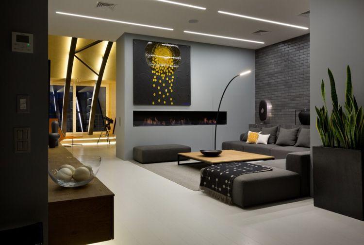 Anthrazit Farbe  Modern Dachgeschosswohnung Wohnzimmer Akzente Gelb Couch