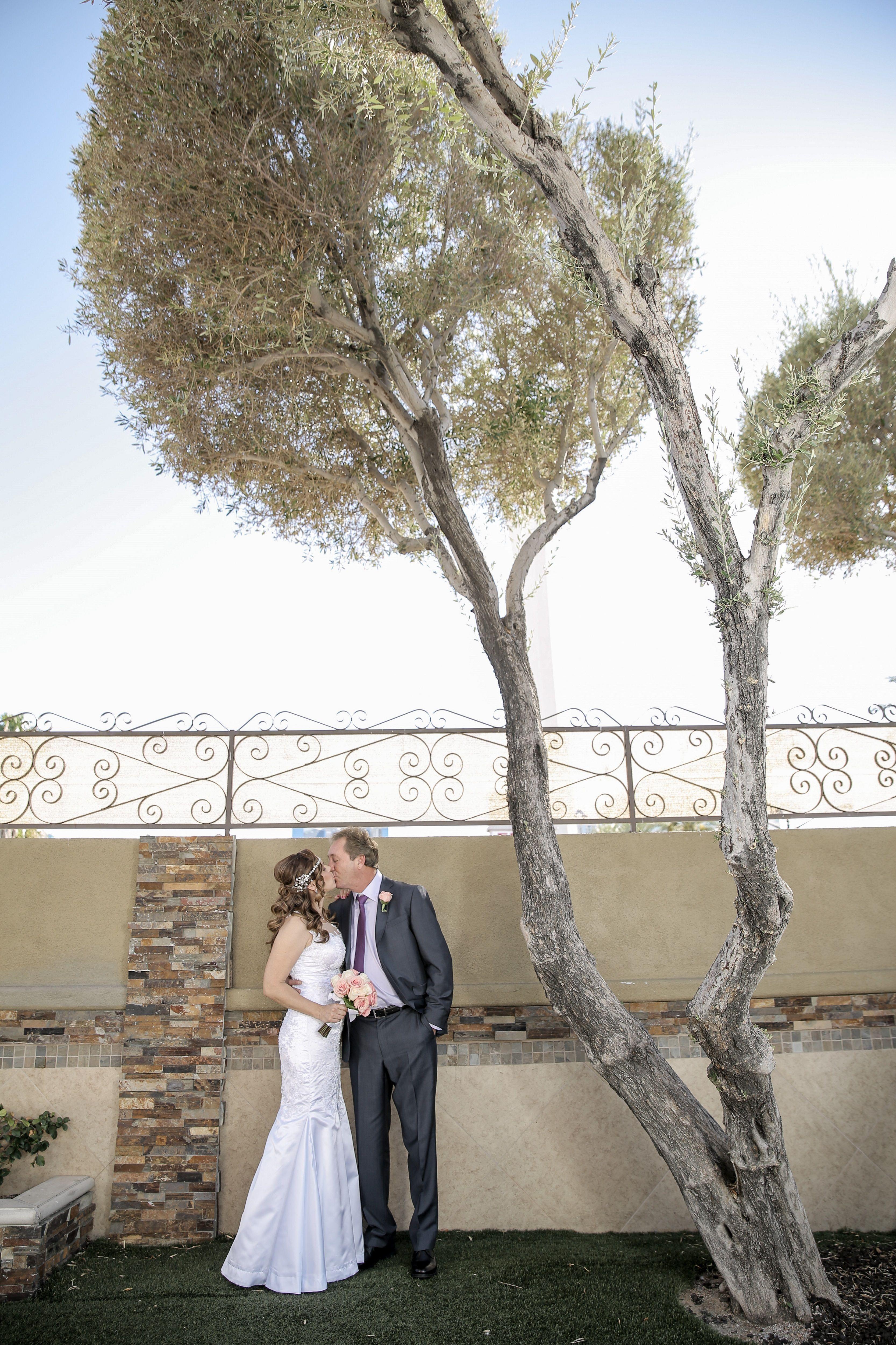 Whimsical Garden Weddings In Las Vegas Outdoor Wedding Venue With