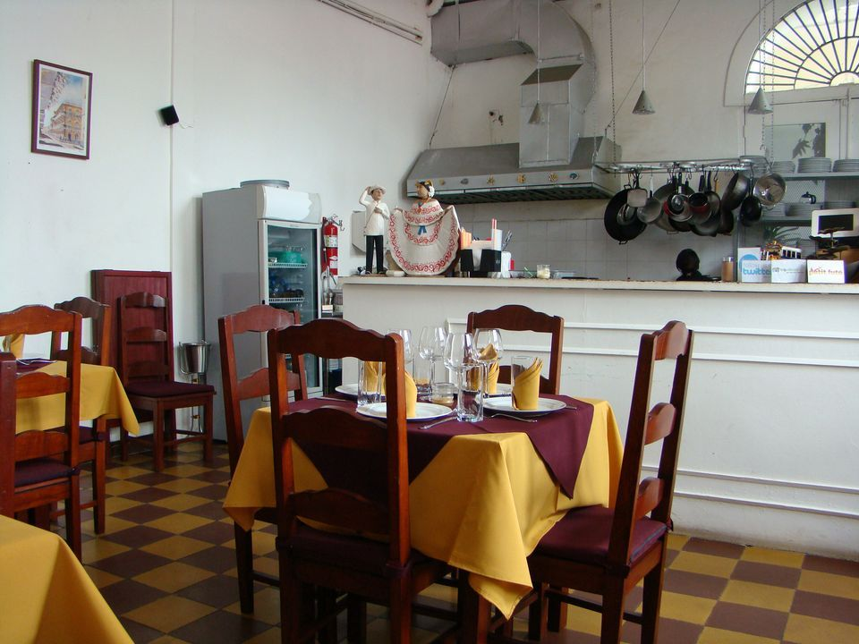 Panama City Offers Visitors A Number Of Smaller Restaurants Fascinating Panama Dining Room Design Decoration