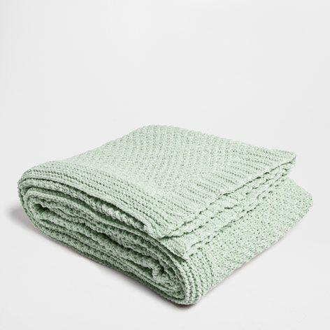 Manta chenilla verde mantas cama zara home espa a for Zara home mantas
