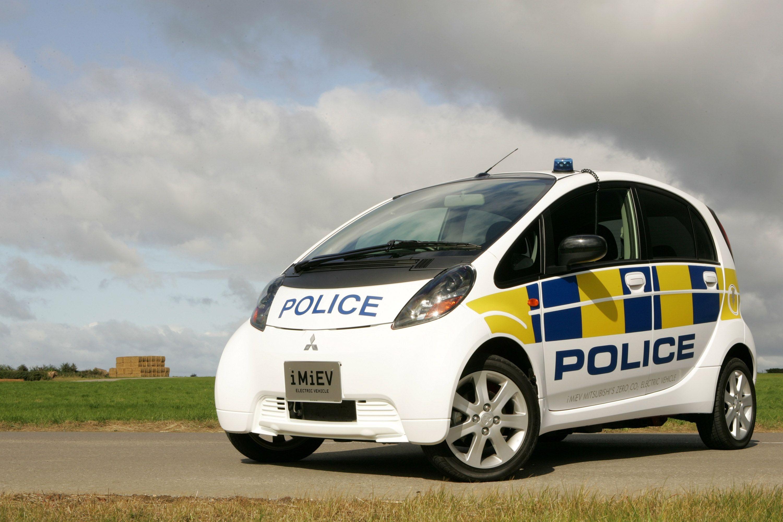 Mitsubishi I Miev Uk Police Car Picture 4