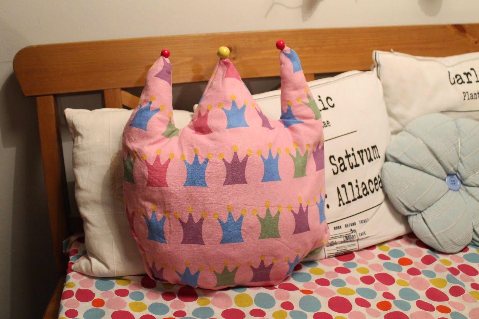 Outi's life Princess and pillow