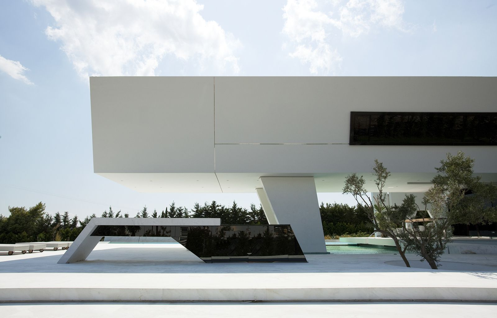 Impressive Ultra Modern House In Athens Futuristic Home