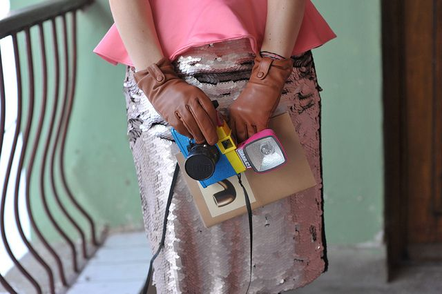 streetstyle    #lomo #camera #pink #color #skirt #streetstyle #outfit #gloves #Magritte #girl #fashion #streetstyle #fun