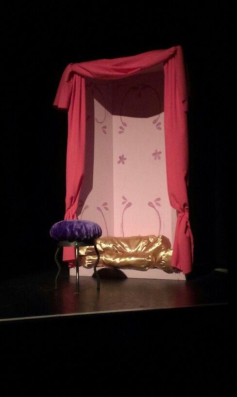 Decor slaapkamer belle musical belle en het beest portfolio commands and workshops pinterest for Slaapkamer deco