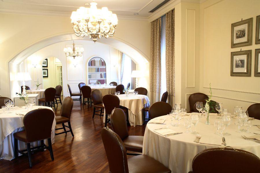 Odeon Restaurant Terminus Naples Starhotels Restaurant Piazza