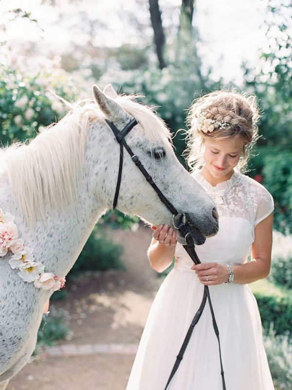 Bohemian Bride With White Horse | photography by http://featherandstone.com.au/